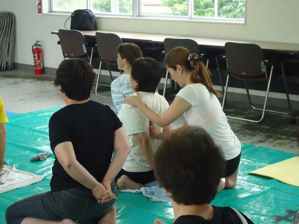 女性大学ヨガ教室