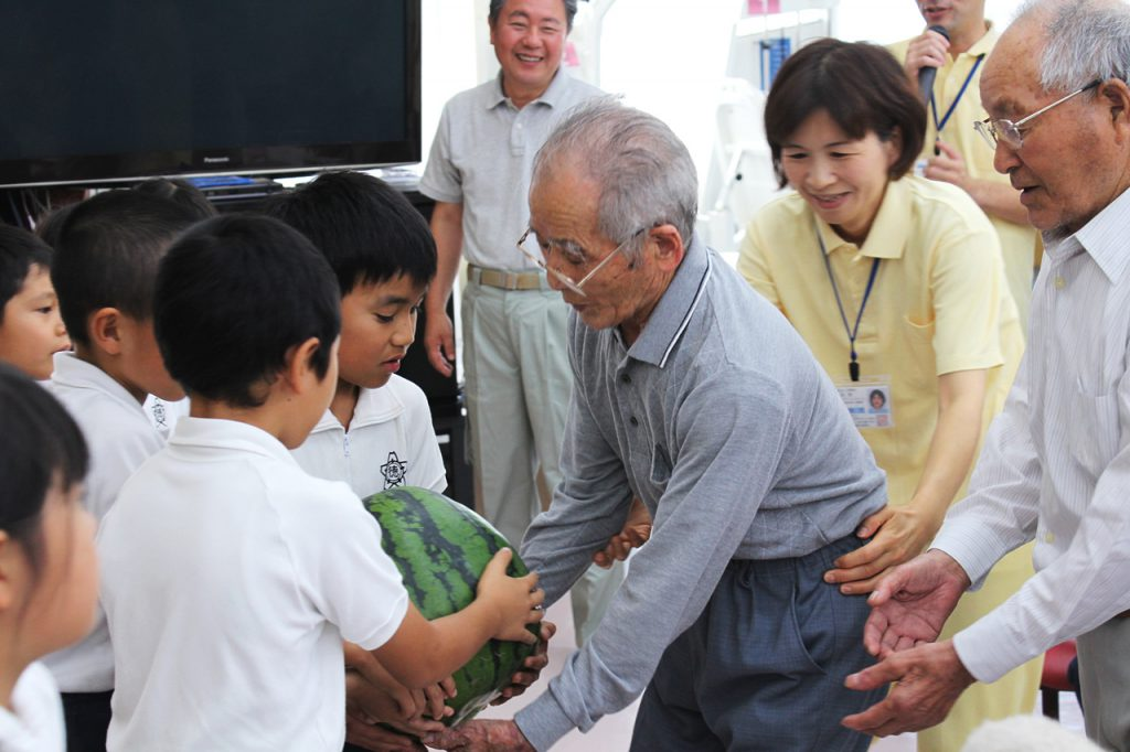 徳光小学校アグリスクール 収穫・セリ体験